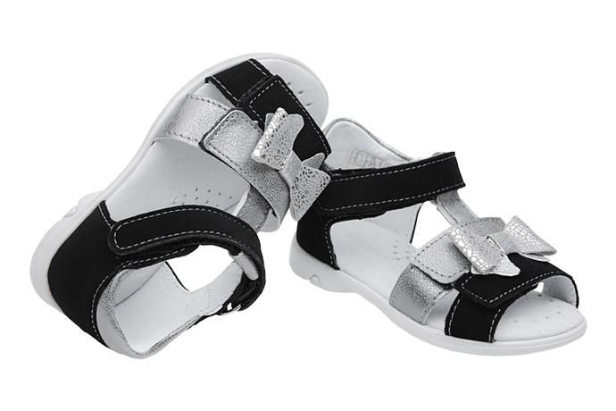 Sandałki dla dziewczynki KORNECKI 6309 Czarne Srebrne